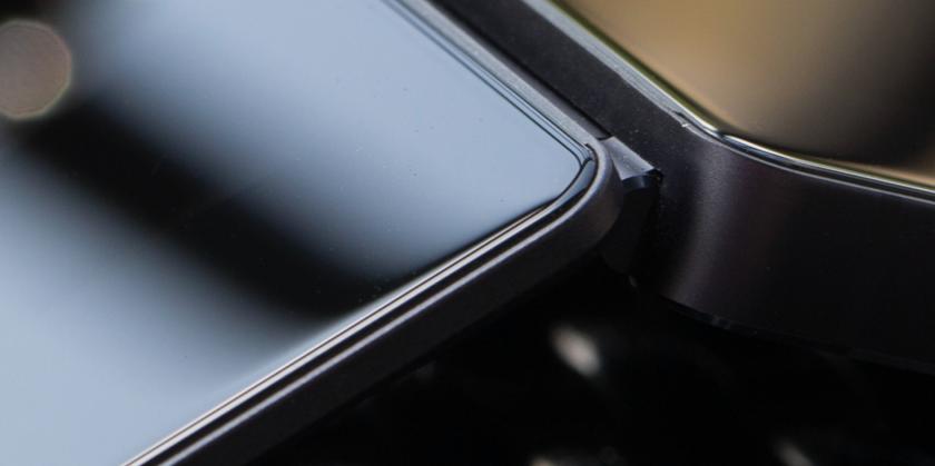zte-foldable-smartphone-1